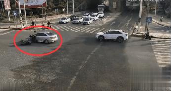 东莞一电动车司机被撞飞!又是犯了这个错!插图2