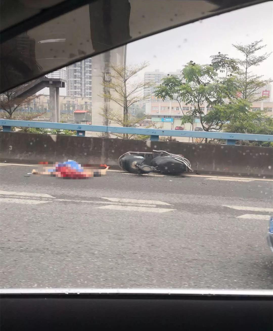 突发!东莞发生惨烈车祸,一人当场身亡!插图2