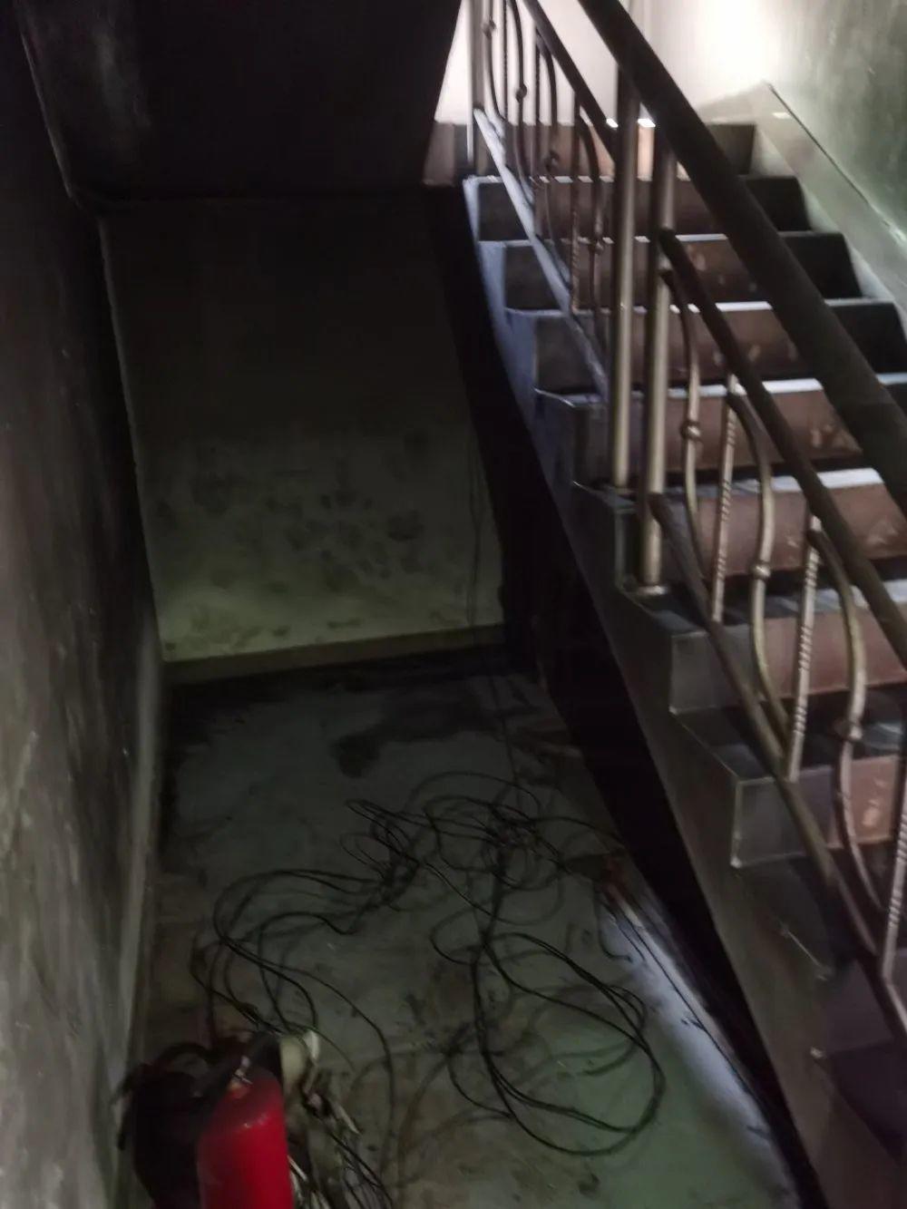 东莞一出租屋突然起火,11人被困,3人被拘10日!又因这事…插图10