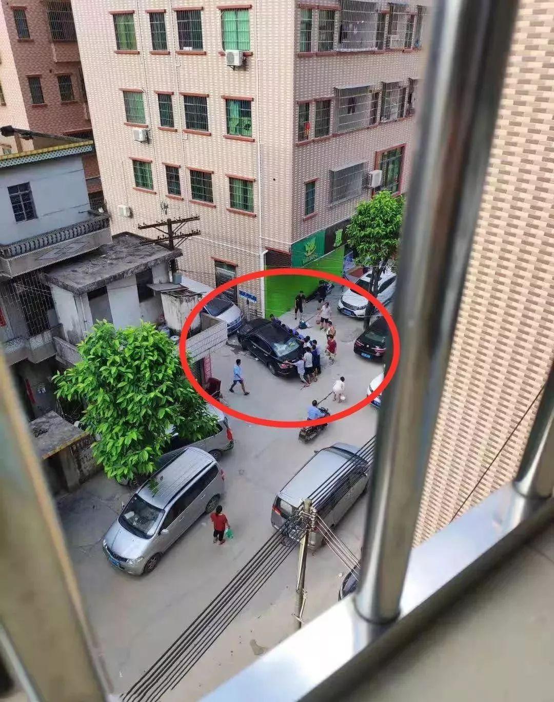 东莞发生惨烈车祸!3名路人当场身亡,这一幕让人……插图10