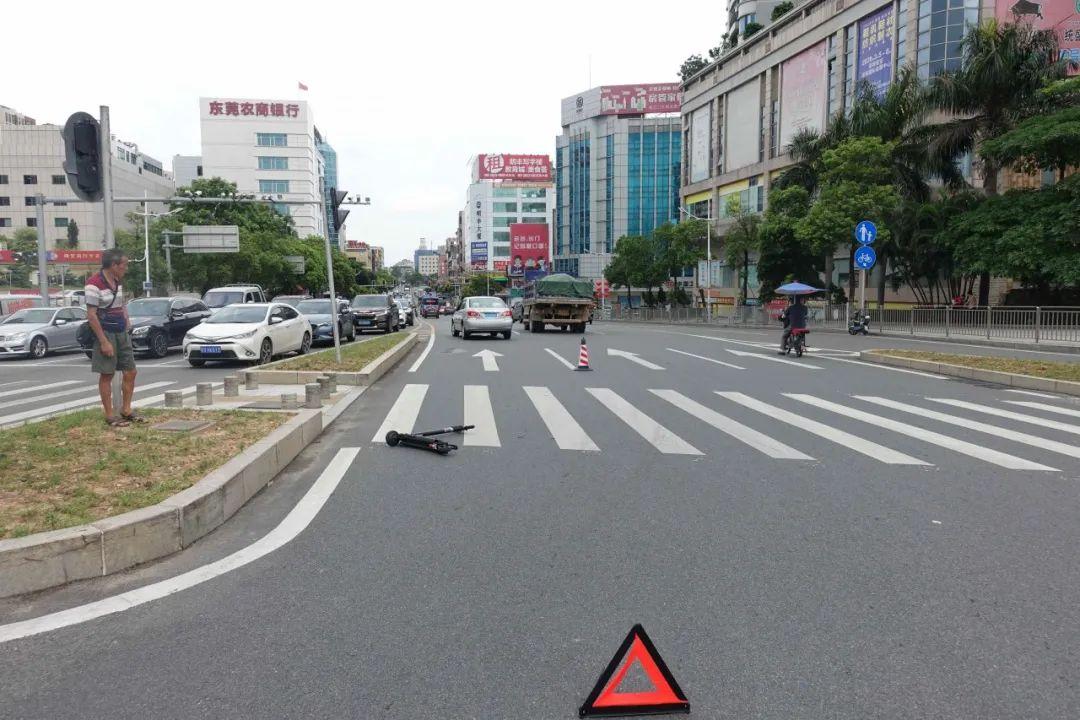 东莞一女子骑电动滑板车驶入机动车道 被撞致颅内出血 结果……插图16