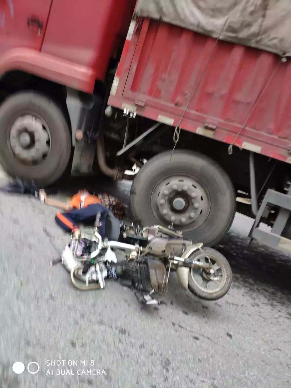 痛心!东莞女生骑车被货车撞倒,惨状太吓人……插图2