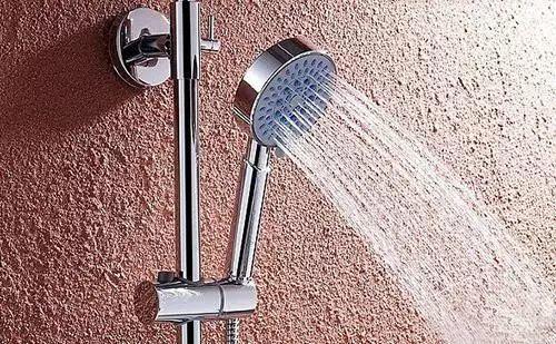 东莞男子洗热水澡身亡,只因家里用了这种热水器…插图