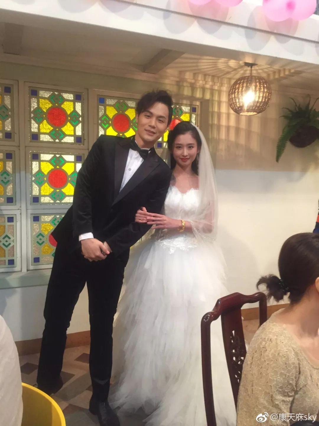 """广东人从小看到大的肥仔,""""康天庥""""真的结婚了!老婆是……插图16"""