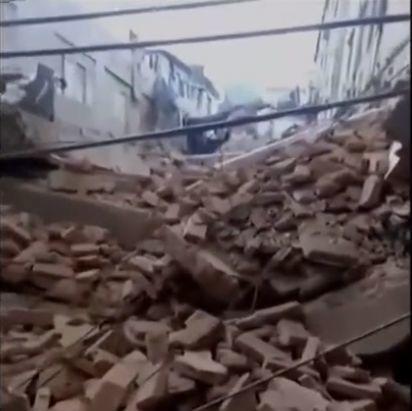东莞一栋3层楼房突然倒塌!租户当时都在…插图2