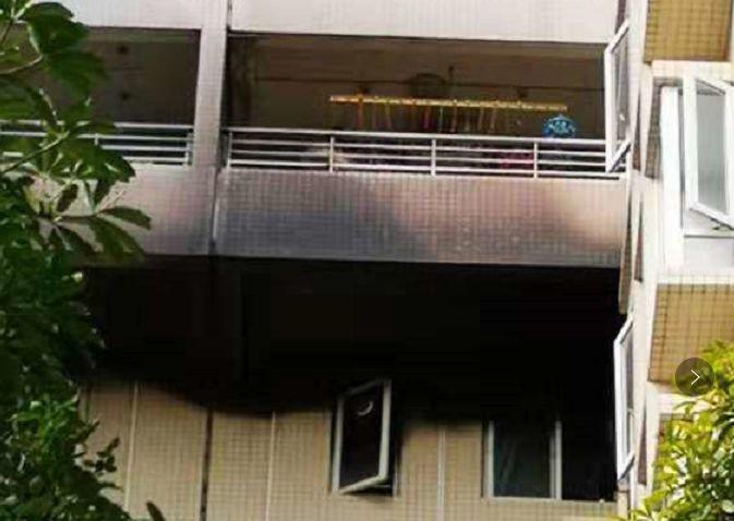 东莞一小区高层住户突发大火!现场浓烟滚滚……插图10