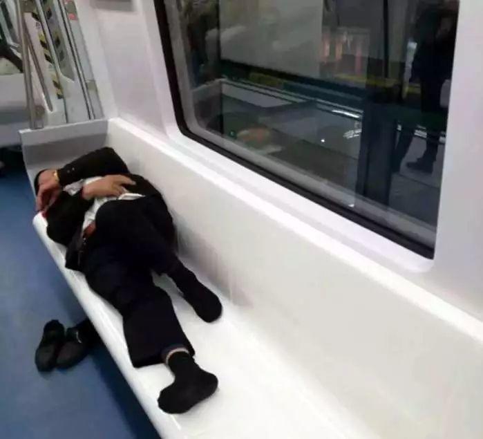 今天起,正式实施!以后搭地铁不可以做这些事情!插图32