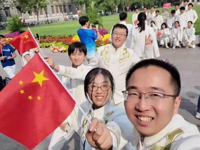 骄傲!东莞这4位女孩,惊艳亮相国庆阅兵和联欢晚会!