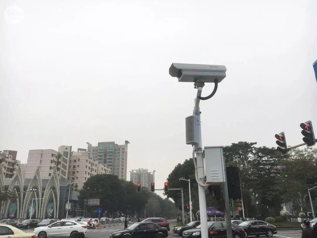 """太羞耻了! 东城这个路口惊现巨型屏幕,其中画面""""不堪入目""""!插图12"""