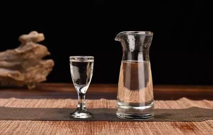 郭大师 · 15年丨为什么懂行的老酒客们都爱年份老酒?看完恍然大悟