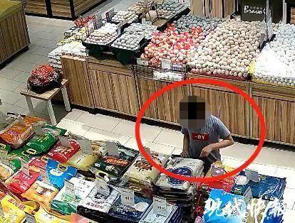 扎心!女子从超市一口气买了45袋大米回家!只因孩子这个动作…插图