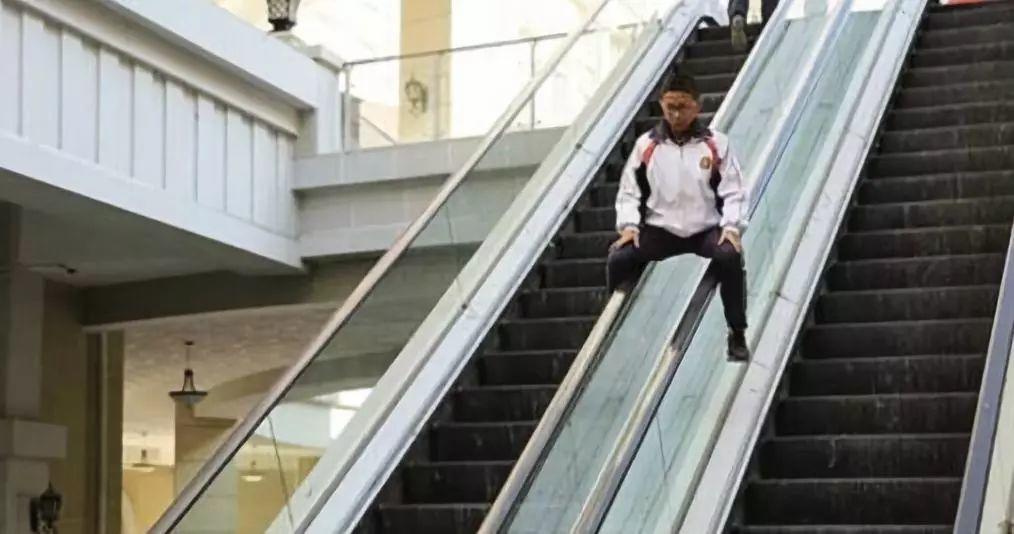 东莞又一商场扶梯出事!1名小孩2名大人受伤…插图14
