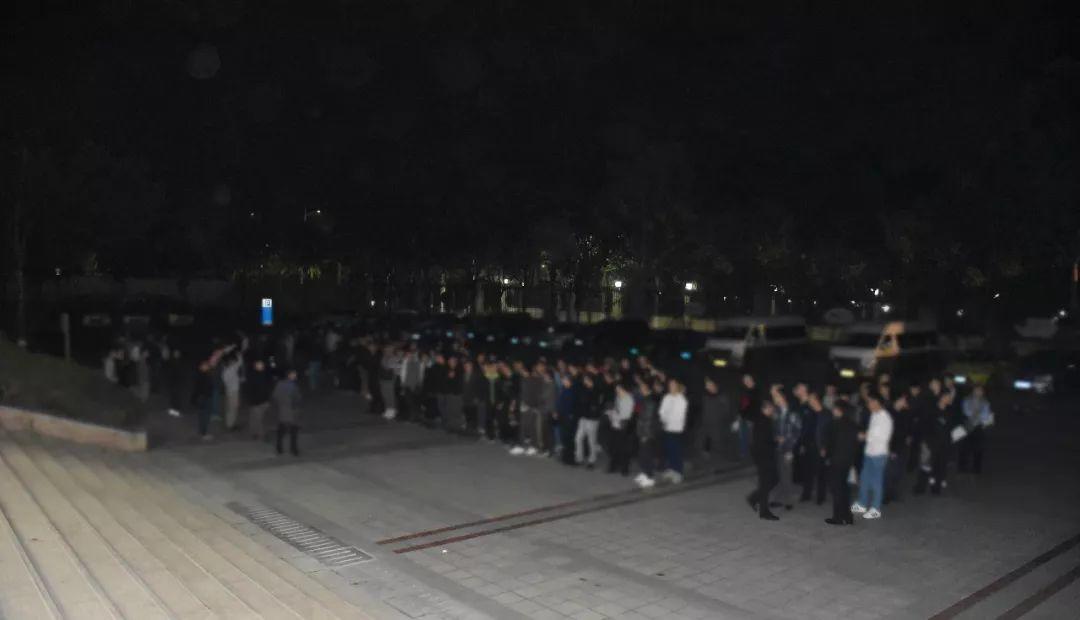 凌晨4点,200余名警力突袭清溪、塘厦、樟木头等这些窝点!现场画面曝光…插图2