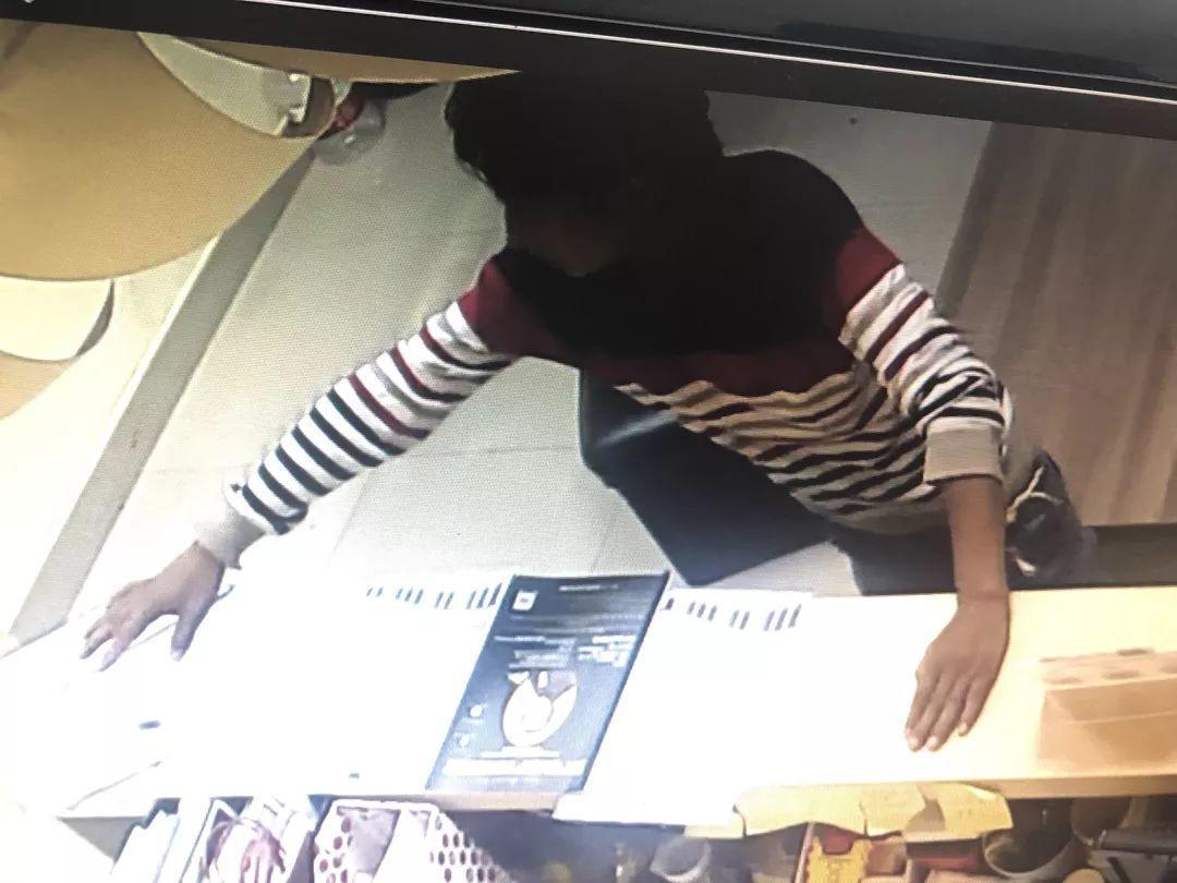 东莞一流浪男子闯入琴行,店主吓得报警,结果……插图4