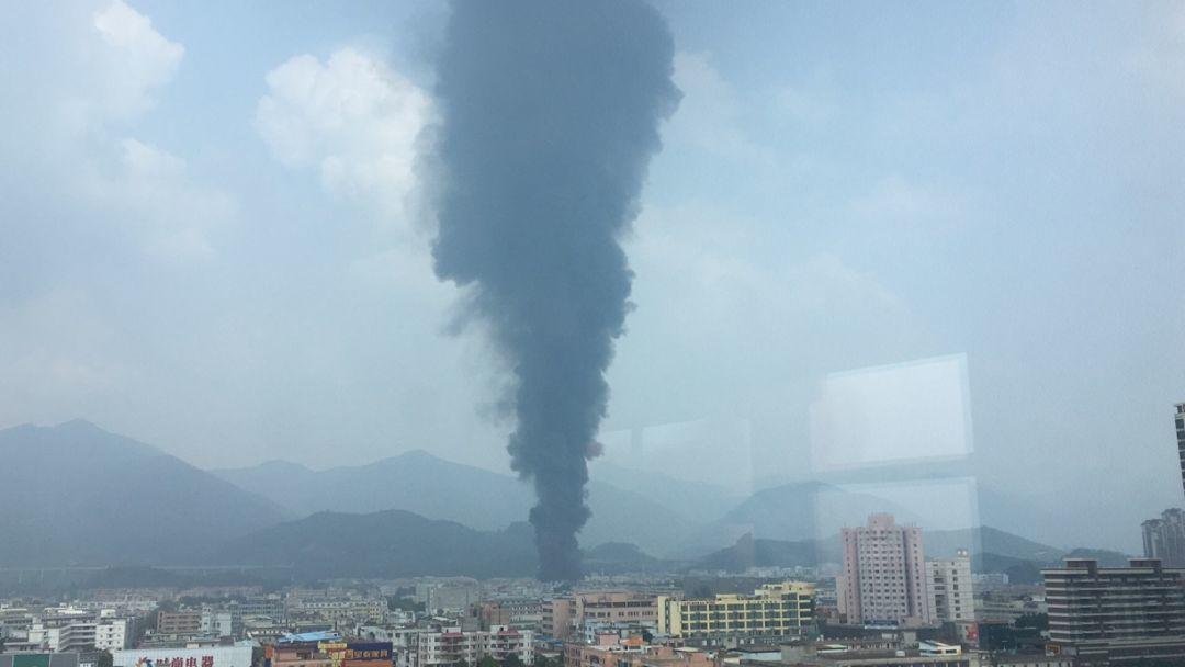 突发!东莞一工厂发生火灾!火势凶猛,太吓人了!插图14