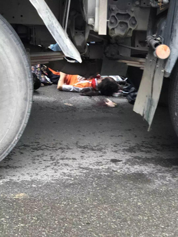 痛心!东莞女生骑车被货车撞倒,惨状太吓人……插图4
