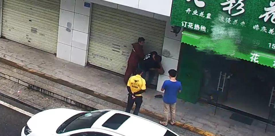 专挑女性下手!东莞连发两起抢劫案!速转身边的女性朋友