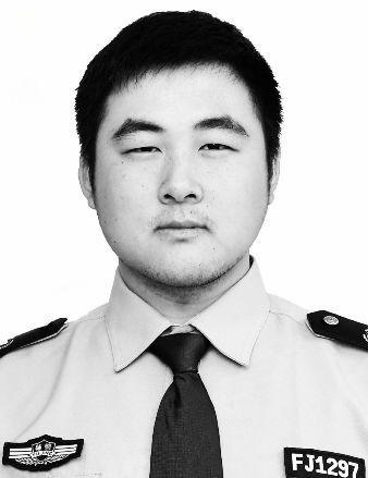 痛!24岁辅警被撞牺牲!肇事司机事发前做了一个动作…插图